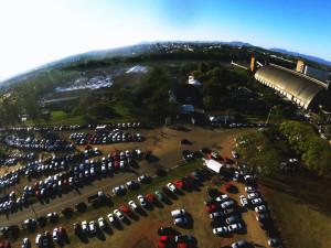 Foto aérea revela grande área disponível para feira e estacionamento