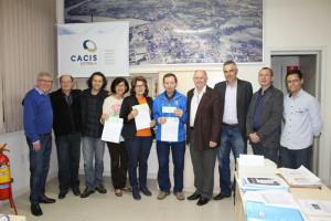 Dinheiro foi entregue a representantes da Apae, Rotary Club e Lions Clube de Estrela