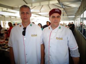 Sócios da Padaria e Confeitaria Bruxel, Luiz Ângelo e Lino Oscar, comemoram desempenho no evento