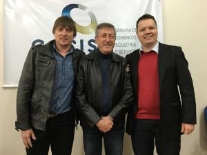 Presidente da 5ª Estrela Multifeira, Paulo Ricardo Finck (esq.dir); presidente da Cacis,  Pedro Antônio Barth; e vice da feira, Claus Wallauer