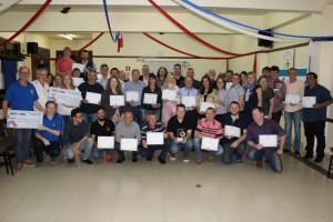Integrantes da comissão organizadora receberam certificado de agradecimento
